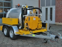 Usisna prikolica/cisterna kapaciteta 1500 l